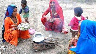 INDIAN VILLAGE WOMEN COOKING FOOD❤VILLAGE LIFE OF INDIA ❤Indian Rural Life❤Villager life❤gao ki life