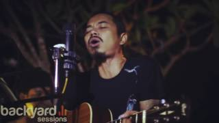 The Fly Terbang Acoustic Cover By Mario Halley At Exi Backyard Sessions