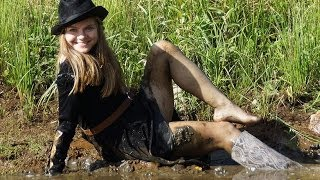Lacy wellies & ginger mud