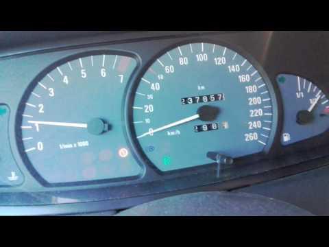 Der Druck des Dunstes des Benzins a-92