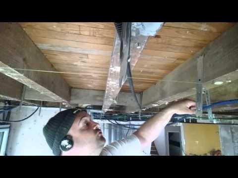 coller une bande placo au plafond raccord bord plat. Black Bedroom Furniture Sets. Home Design Ideas