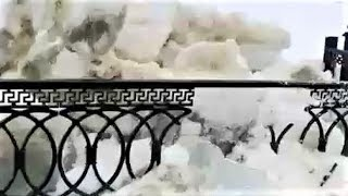 Ледоход снёс в Сургуте ограждение набережной