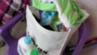 Празни опаковки перилни препарати, еднократни пелени и подложки | Бързо видео