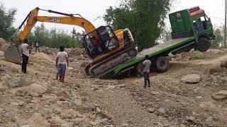 JCB Digger Loaded Down From Big Truck-JCB Video