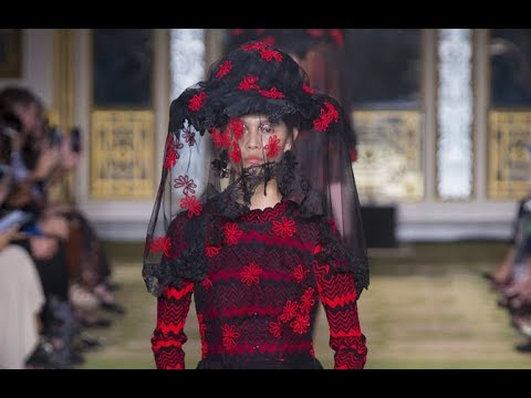 SIMONE ROCHA Spring Summer 2019 Highlights London - Fashion Channel