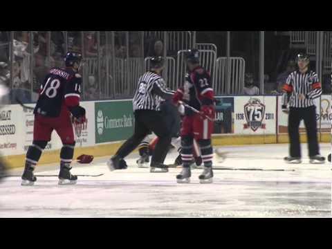 Ryan Reaves vs. Brandon Straub