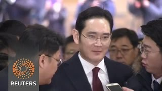 Threat of arrest looms over Samsung boss