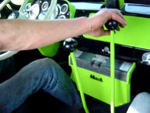 Mack R600 shifting