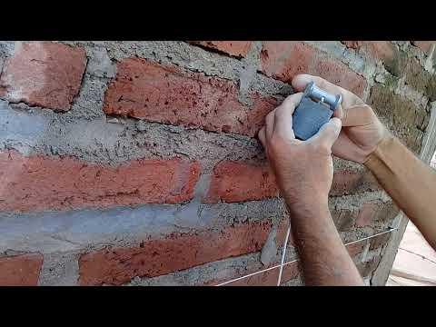 Como utilizar LA PLOMADA Y EL NIVEL DE MANO para enjarrar una pared....