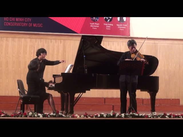 Vinh et Tuyet en concert