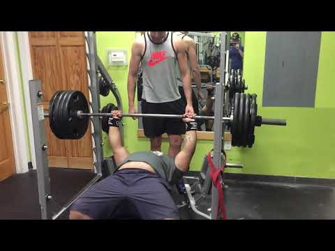 405 Raw bench paused!! First PR since injury!