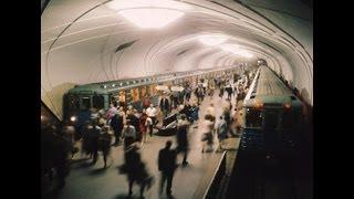 Смотреть онлайн Меры безопасности в метро, полезный ролик