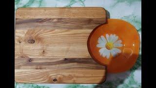 В этом видео я покажу как из дров ясеня и вяза можно сделать  очень нужную в хозяйстве разделочную доску. Встраиваемая  тарелка,для быстрого сметания нарезанного. Очень удобная в  использовании.  Эту и многие другие интересные