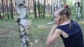 Очень сильная девочка#четкие удары#сила,точность и скорость💙