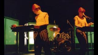DEVO - live in Detroit, MI, USA 1982-11-06