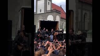 THE BOSS HOSS Feat. Mimi & Josefin   Little Help   LIVE At Augsburg   The Voice Kids 2019