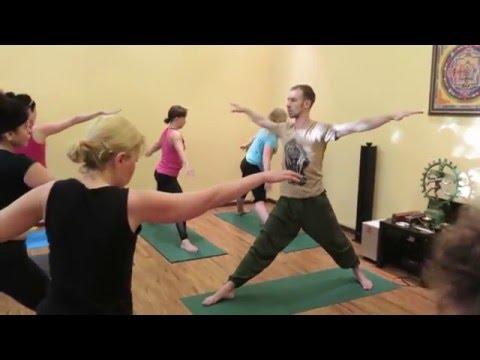 Хатха-йога для начинающих | Центр йоги YogaЯсенево