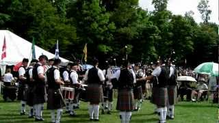 preview picture of video 'Windsor Police Pipe Band G3 Medley Fergus 2012-08-11 P8110049'