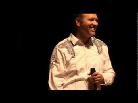 Download Motivational Speaker Rocked The House Inspiring Thousands! Derek Clark HD Mp4 3GP Video and MP3