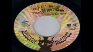 1910 Fruitgum Company -- 1,2,3, Red Light / Original 45Single 1968 / HD 720p (With LYRICS Bonus)