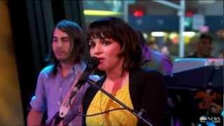 Norah Jones - Happy Pills (live @ GMA)