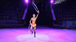Hula hoop juggling Lviv circus Акробатичний танцювальний номер обручі жонглювання хулахуп Цирк Львів