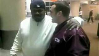 Beanie Sigel Hold's A Man's Hand For 2 Minutes Straight