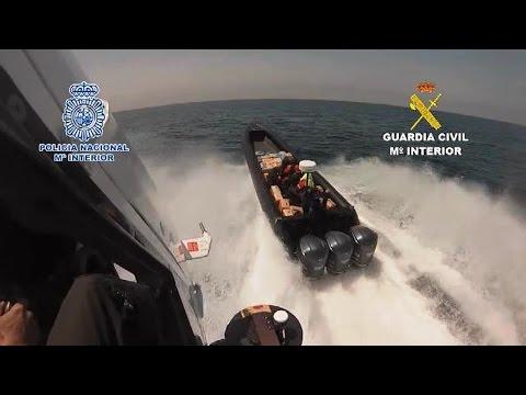 Persecución de película en el estrecho: Intervienen 3 t de hachís y arrestadas 24 personas