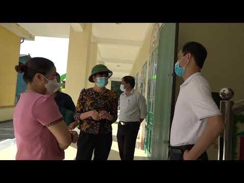Lãnh đạo huyện kiểm tra công tác chuẩn bị năm học mới