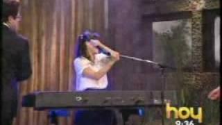 """Natalia Lafourcade - """"Ella es Bonita"""" (En el programa HOY)"""