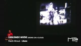CAVALGANDO NUVENS