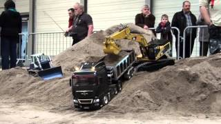 preview picture of video 'Erlebniswelt Modellbau Erfurt 2014 Modelltruck - Parcours'