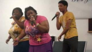 Beautiful Gates Praise Team @ Youth on the front line 2009 pt. 1
