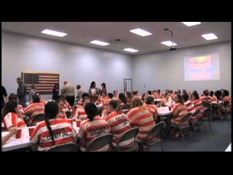 Calhoun County Jail Holds a Thanksgiving Meal