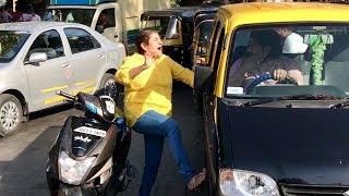 Horn ko use karo, abuse mat karo!   2 Foreigners In Bollywood