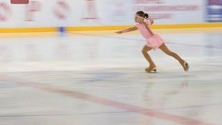 Открытые региональные соревнования по фигурному катанию на коньках собрали около 160 спортсменов