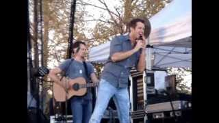 "Easton Corbin ""That's Gonna Leave a Memory"" @ Temecula Valley Balloon and Wine Festival 2013"