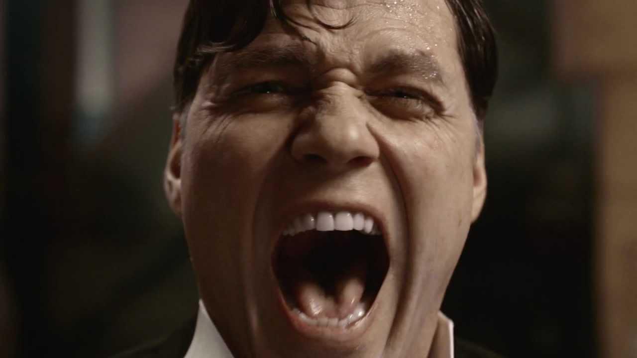 Standbild aus Werbefilm: schreiender Mann