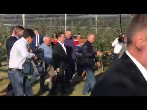 Путин и Медведев в Ставрополье приехали в яблоневый сад