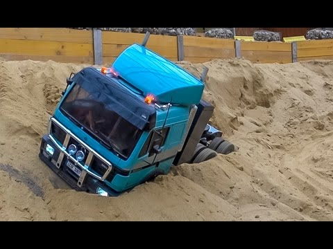 RC truck action and Mercedes SK stuck at RC Glashaus! BIG R/C FUN!