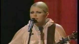 Dixie Chicks singing Traveling Soldier- Live
