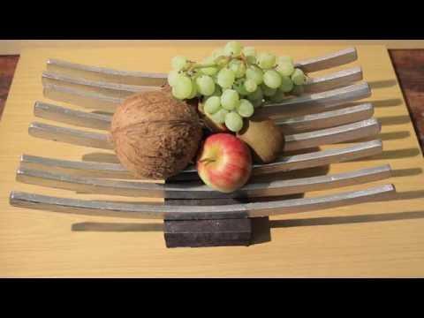 Selbst gemacht: Obstschale aus Kleiderbügeln