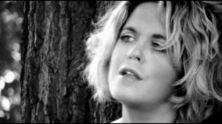 "Amy Wadge ""Hold Me' Released 12th April"