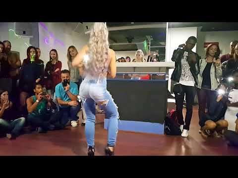 Para Tudo Afinal ela está dançando Sara López na Kizomba