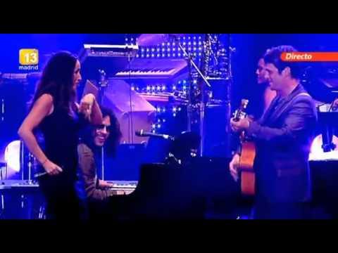 Malú y Alejandro Sanz - Corazón Partío (La noche de Cadena 100) 2012 @CFMaluGalicia