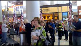 May 13, 2011- Dallas Airport Welcome Home Troops.mp4