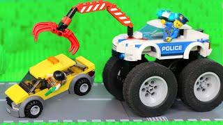 Polizeiauto Geschichten für Kinder mit Bagger, Kran & Spielzeugautos