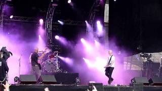 Apulanta - Vasten Mun Kasvojani (live, Ilosaarirock 2011)