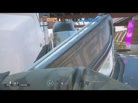 """Rainbow Six """"Highlights 95"""" How to defeat a shield operator"""