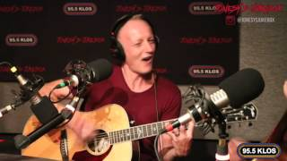 Phil Collen and Steve Jones perform 'Stay With Me' on Jonesy's Jukebox